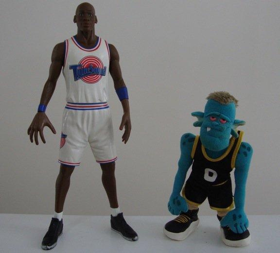 """Vintage 1996 Space Jam Hoop Duo - Michael Jordan Tune Squad 16"""" Talking Figure & Monster Alien"""