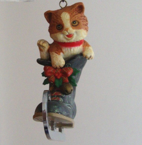 """Vintage 1989 Enesco """"The Purr-fect Fit!"""" Where's Kitty Ornament"""