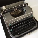Vintage 1946 Underwood Portable Typewriter & Case