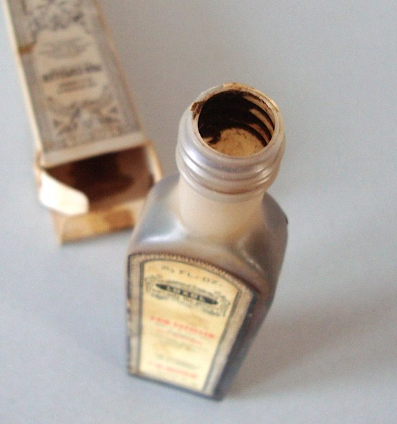 Loxol Pain-Expeller Antique Medicine Bottle & Original Box