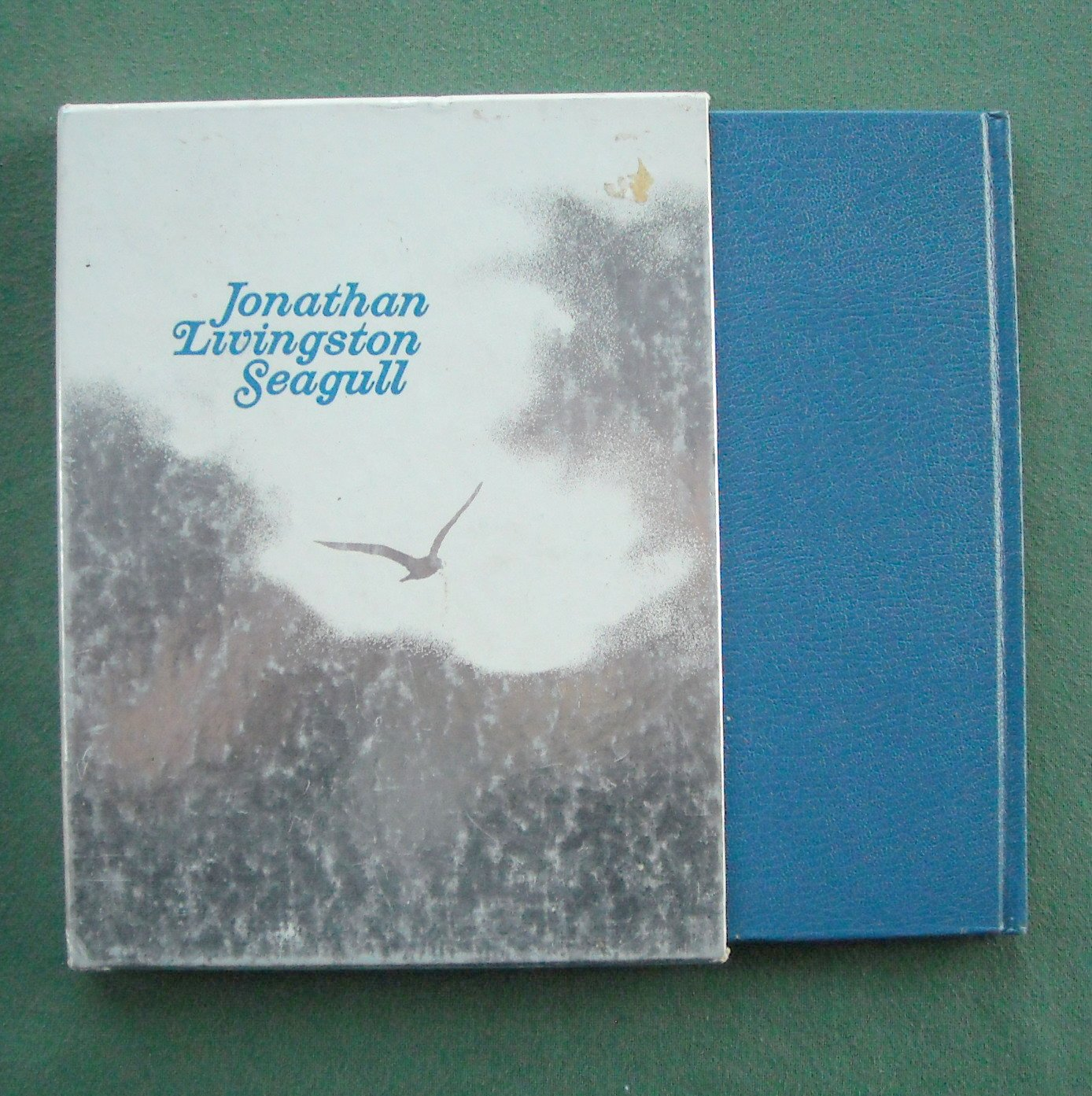 Jonathan Livingston Seagull by Richard Bach hardcover in case