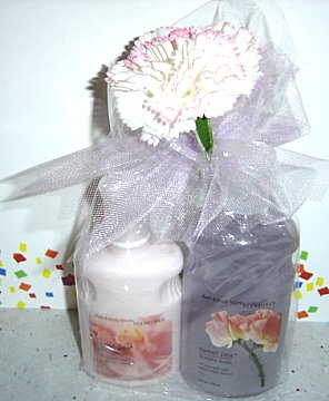 BATH & BODY WORKS SWEET PEA 2 PC BATH SET