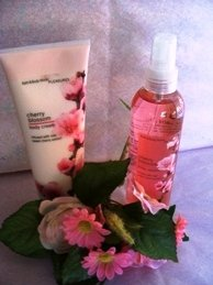 BATH & BODY WORKS CHERRY BLOSSOM 2PC TRAVEL BATH GIFT SET