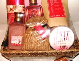 VANILLA JASMINE & ROSE 6 PC BATH SET W/ BASKET