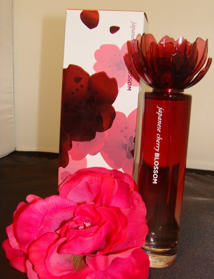 BATH & BODY WORKS JAPANESE CHERRY BLOSSOM 2.5 OZ SPRAY PERFUME