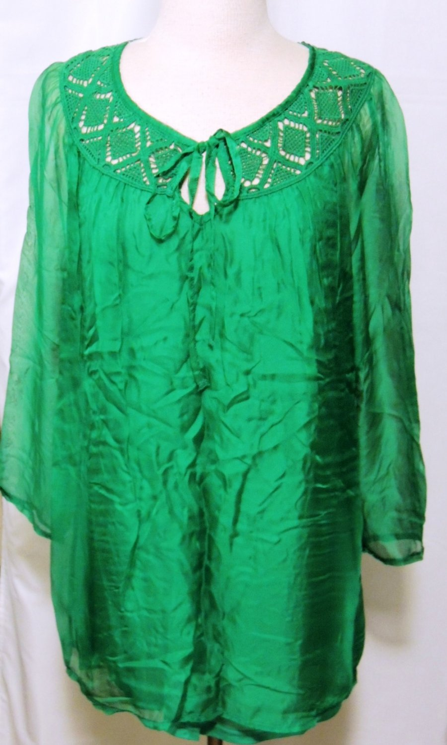 MIILLA GREEN EMBROIDERED TUNIC TOP SIZE SM, LG