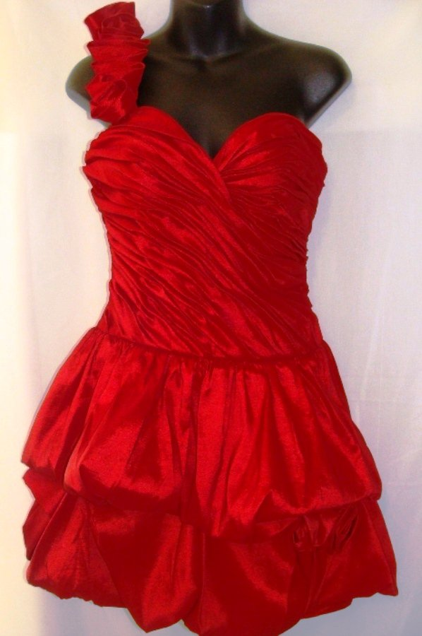 CINDERELLA ONE SHOULDER RED BUBBLE PROM DRESS SIZE, SM