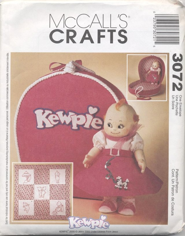 Kewpie Doll Clothes, plus wall-hanging and carrying case  McCalls Craft 3072 NEW