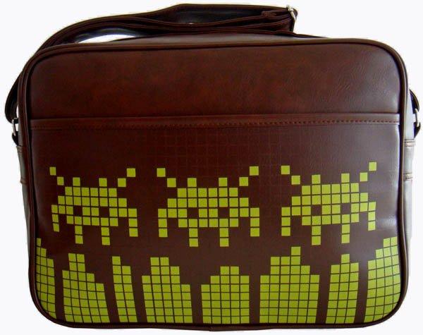 Space Dip Triple Retro Messenger Bag (Brown)