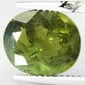 4.75 CT.Natural Oval 10*11.5 mm. Intense Olive Green Madagascar Apatite 綠�磷��