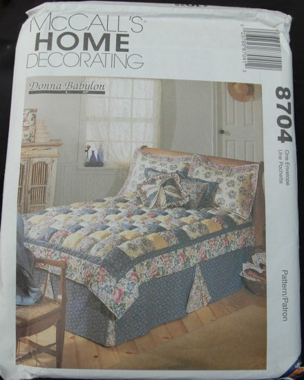 MCCALLS 8704 CRAFT PATTERN- PUFF QUILT AND ACCESSORIES