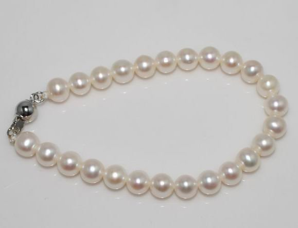 8 mm  genuine white fresh  bracelet $18