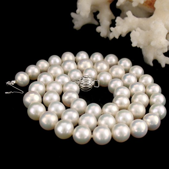 genuine fresh pearl silver  necklace �28