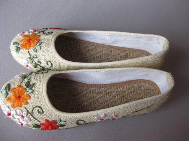 NO. 9  gunny  shoes  $ 15