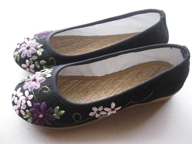 NO.8    gunny  shoes  $ 15