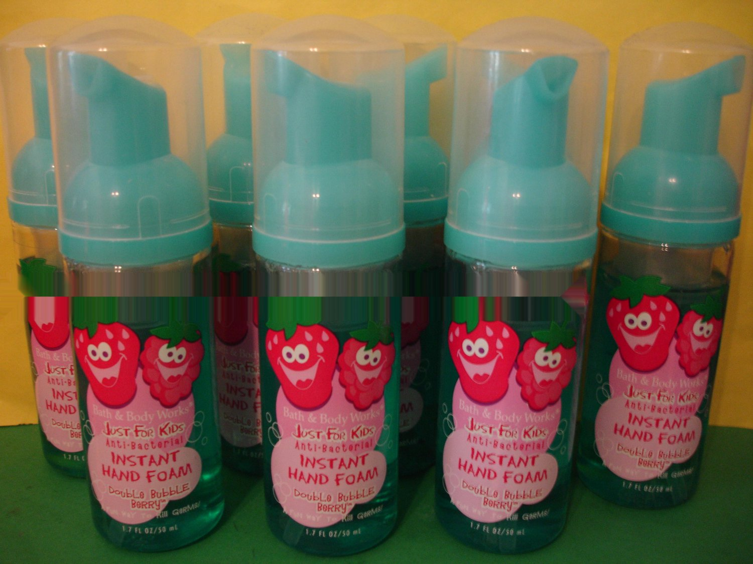 Bath & Body Works 8 Double Bubble Berry Kids Instant Hand Foam