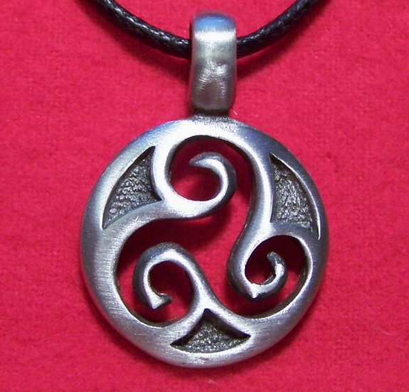 Pewter Celtic Round Triple Swirl Wave Pendant Necklace