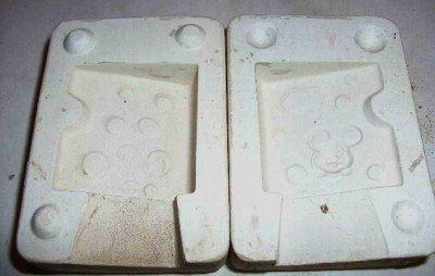 SMALL CERAMIC MOLD ~CHEESE MOUSE~ DECORATIONS
