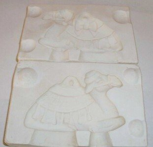 1970 CERAMIC MOLD CHRISTMAS ORNAMENT ~ CAMEL ~