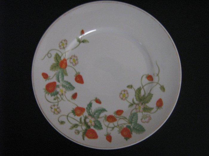 Avon 1978 Strawberry Plate