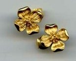 Trifari gold tone flower earrings
