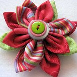 FABRIC FLOWER BROOCH IN CHERRY BLOSSOM