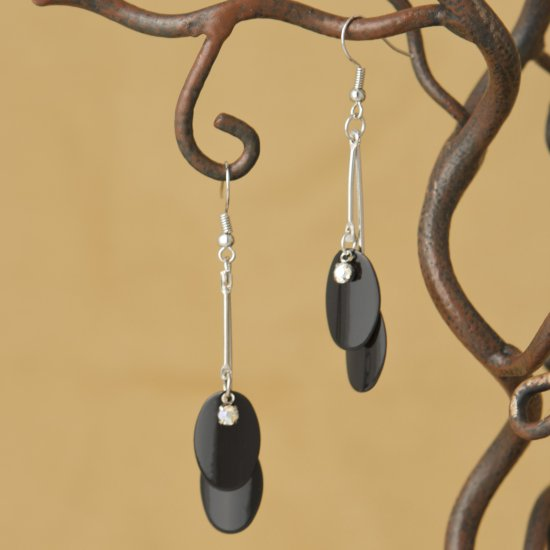 Twin Black Oval Dangle Fashion Earrings