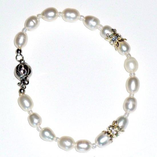 White Freshwater Pearl & Elegant Rhinestone Rondelle Bead Round Box clasp
