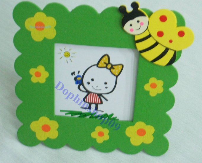Wooden Green Flower and Bee Photo Frame