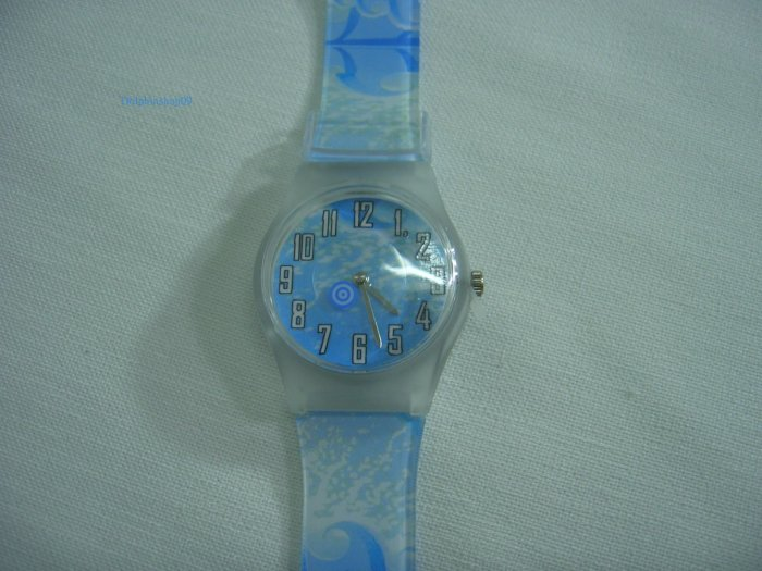 Light Blue Round Case Plastic Quartz  Wrist Watch w/ Battery
