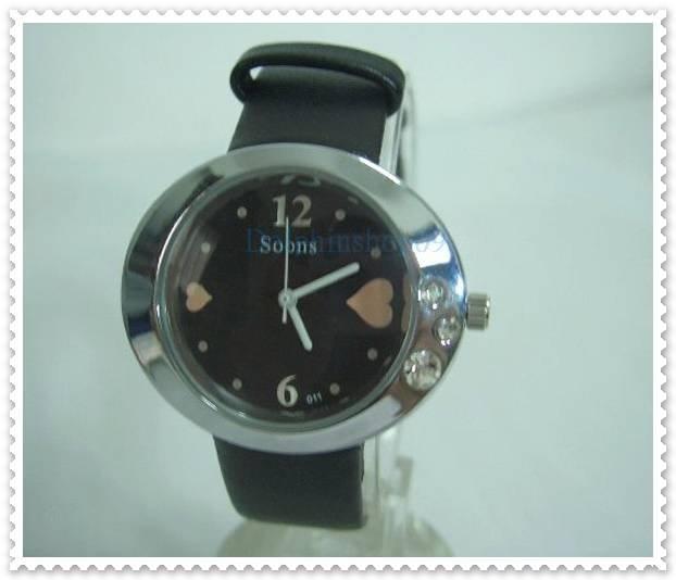 Black Leather Oval Case Heart Quartz Wrist Watch w/ Battery