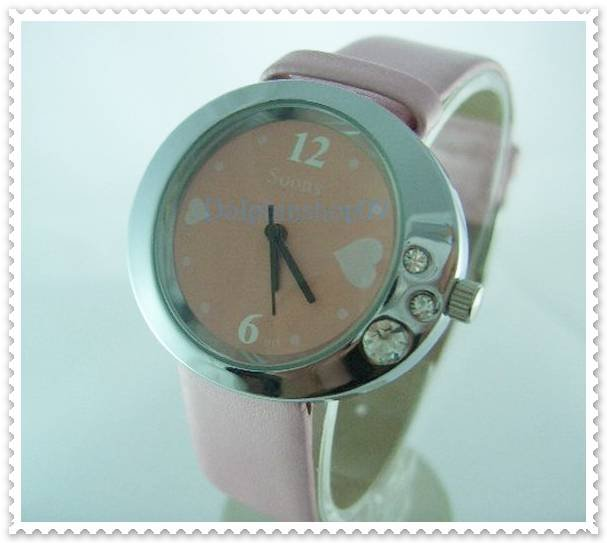 Pink Leather Oval Case Heart Quartz Wrist Watch w/ Battery