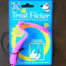 TREAT FLICKER TEACHES YOUR PET TO CATCH LIKE A PRO ! * Dog Toy *