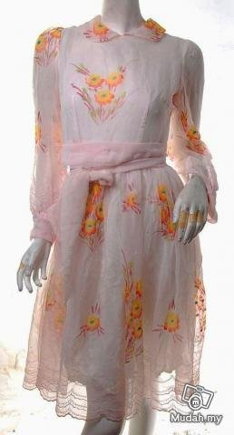 SHEER TREND RUNWAY FASHION RETRO CLOTHING VINTAGE CLOTHES 70S? PAINTERLY FLORAL OVERLAY DRESS