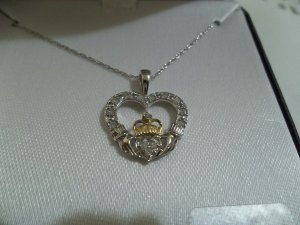 """10K White Gold 1/10 ct Diamond Heart with Crown Pendant 18"""" Chain"""