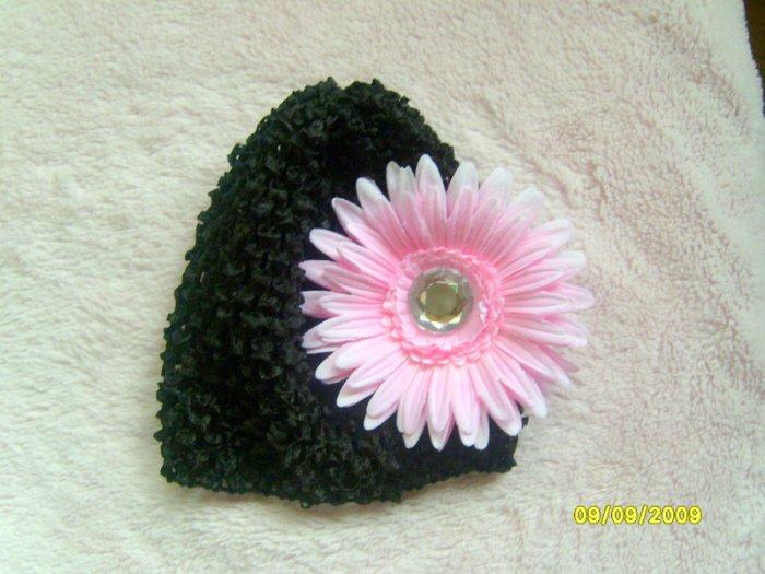 Black crochet hat w/ pink flower