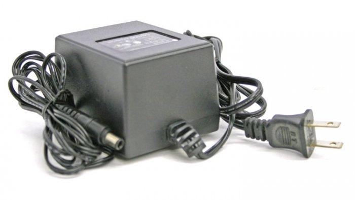 Apple Design M6082 Powered Speaker AC Adapter 15v/1A