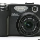 Nikon Coolpix 5400 Digital Camera 5.1 MP kit