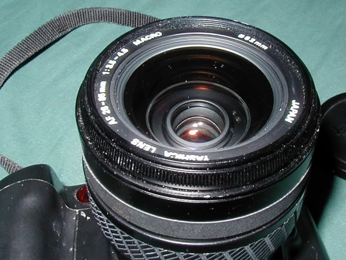 Yashica 300 Auto Focus Camera 28-85 Macro Zoom Lens