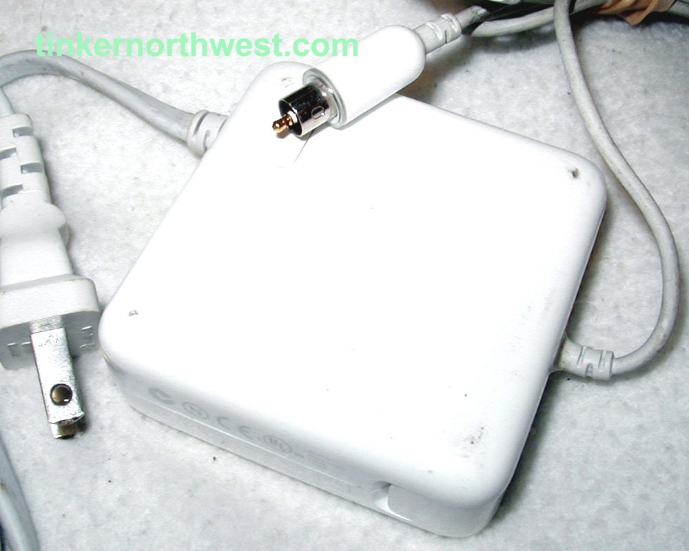APPLE iBOOK & POWERBOOK G4 AC POWER ADAPTER 65W A1021