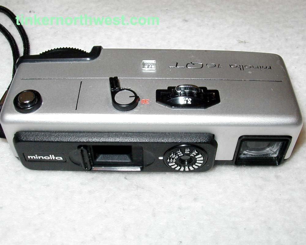Minolta 16QT Vintage 16mm Film Camera