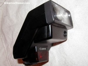 Canon Speedlite 300EZ Auto Zoom Flash