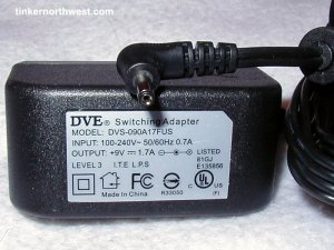 DVE DVS-090A17FUS AC Power Adapter 9VDC 1.7A Supply