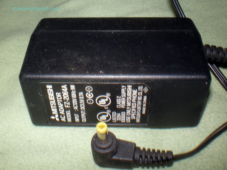 Mitsubishi Supply FZ-2064A ACP-P2 5.5V 0.7A 9W AC Power Adaptor