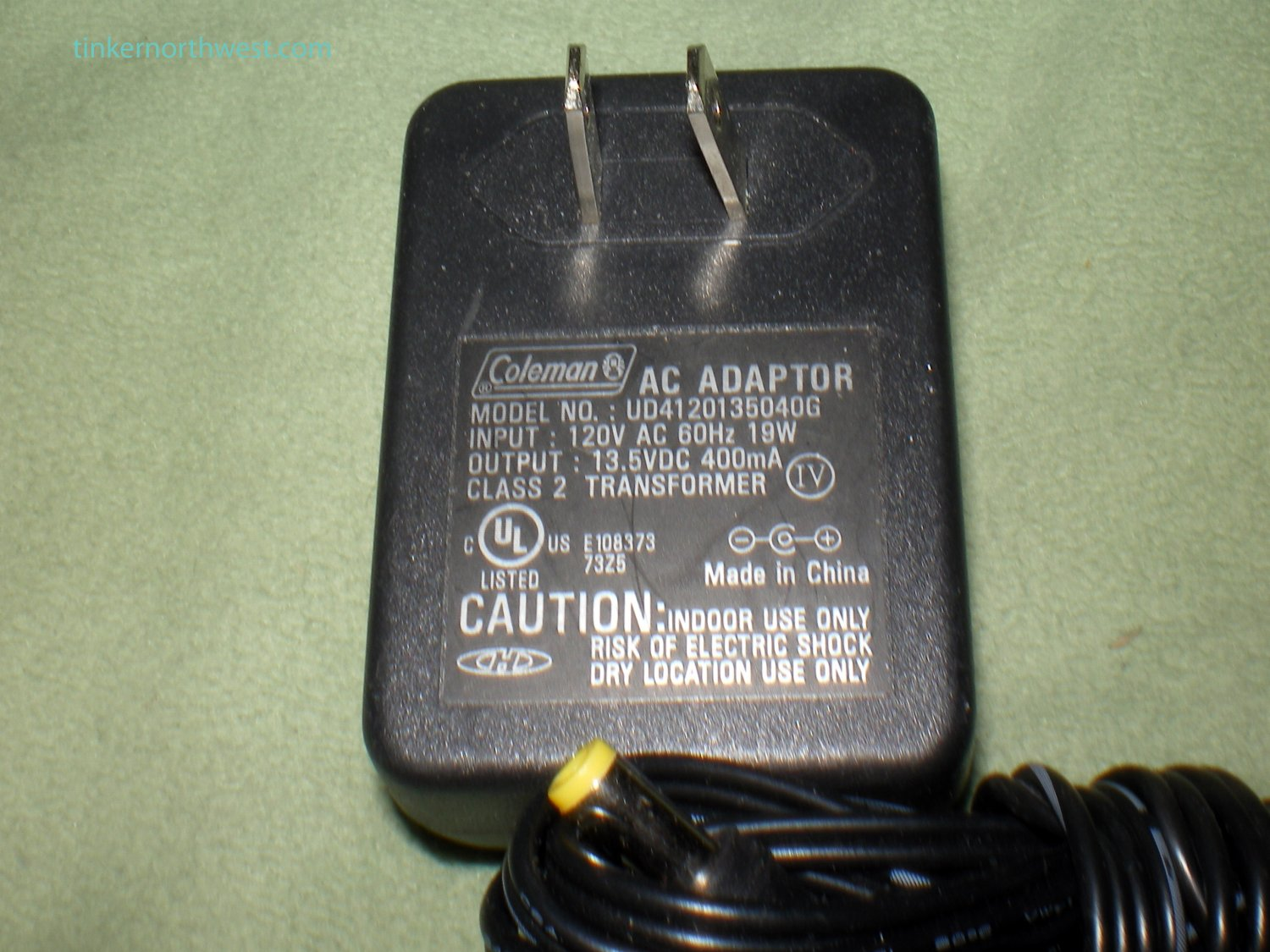 COLEMAN POWER SUPPLY ADAPTER AC/DC UD4120135040G 13.5V 300mA OEM