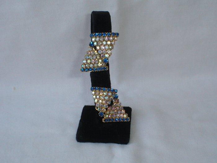 Vintage Schiaperelli clip earrings Rhinestones