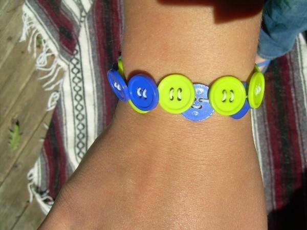 Strechy Button Bracelet