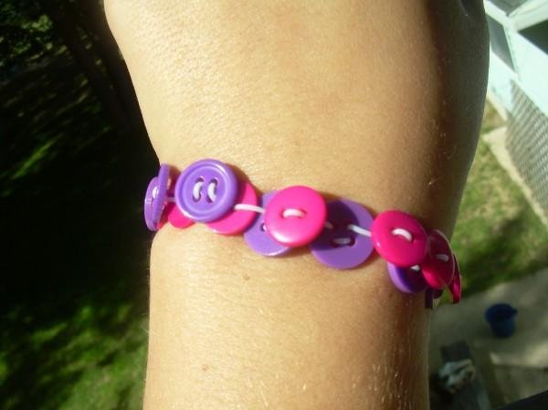 Strechy Button Bracelet