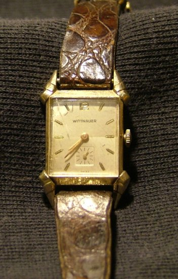 Wittnauer Men's Watch with Flared Lugs and Subsidiary Seconds, Runs Great c.1954