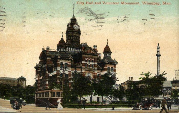 Winnipeg Manitoba Canada Postcard, City Hall and Volunteer Monument c.1910